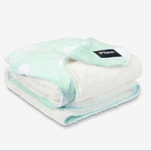 New Victoria's Secret Pink Sherpa Blanket gift
